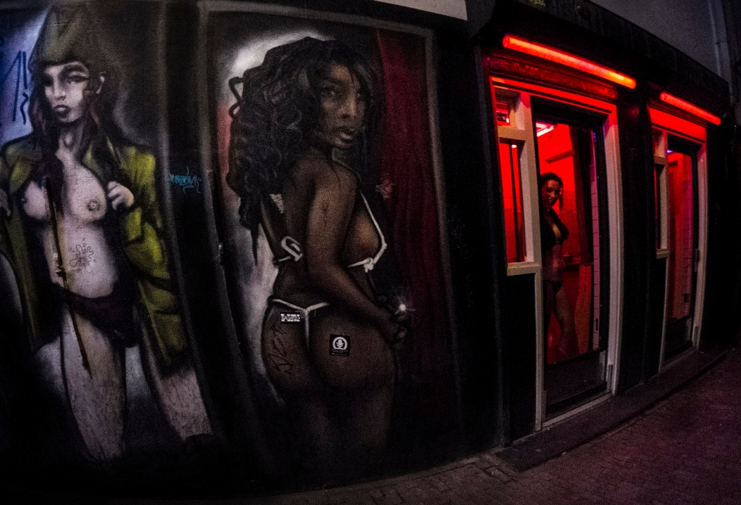 33 De Wallen Copyright 2014 Daniel D. Teoli Jr. mr