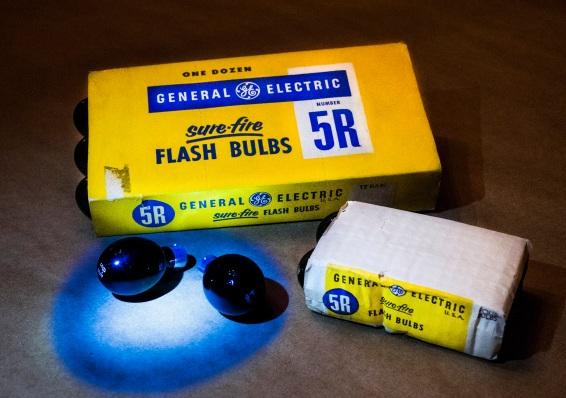 GE 5R Infrared Flashbulbs Daniel D. Teoli Jr. mr
