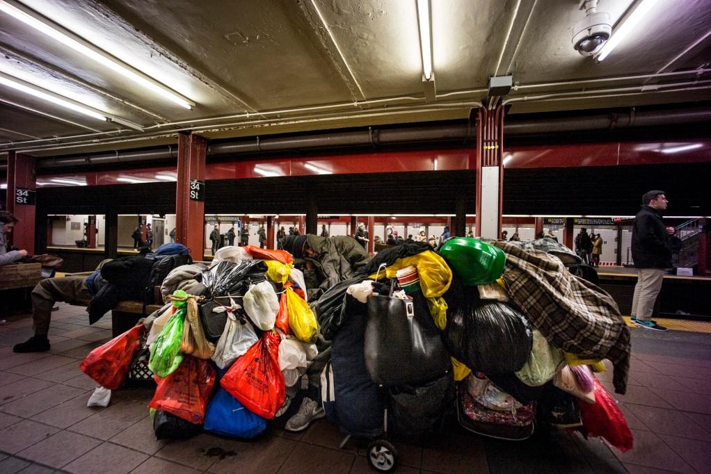 homeless-man-nyc-subway-2016-daniel-d-teoli-jr-m